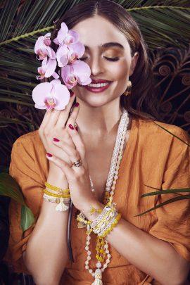 Model und Bloggerin Sofia Tsakiridou/ Matiamu für Cadenzza// fotografiert von Lina Tesch